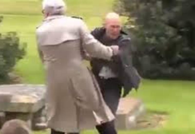 "Посол Канады в Ирландии устроил схватку с протестующим в Дублине <span class=""color_red"">- ВИДЕО</span>"
