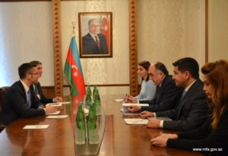 Эльмар Мамедъяров на переговорах со спецпредставителем ПА ОБСЕ по Южному Кавказу