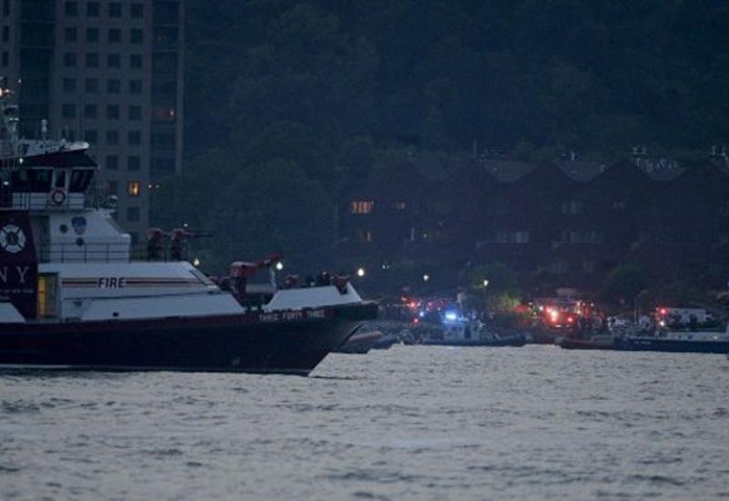 В США в реку упал самолет