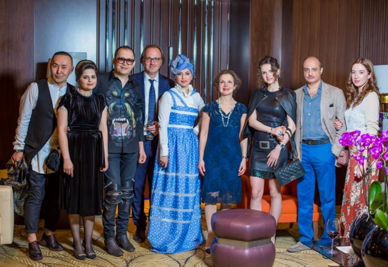"""Всемирно известный дизайнер и посол Франции на потрясающем закрытии Azerbaijan Fashion Week <span class=""""color_red"""">- ФОТО</span>"""