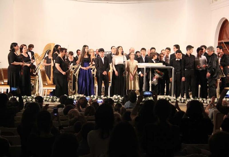 """Юные музыканты выступили с концертом в честь Дня Республики <span class=""""color_red"""">- ФОТО</span>"""