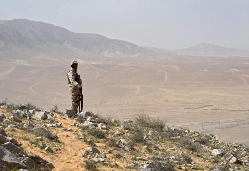 """В Сирии у блокпостов курдов подорвались три смертника """"ИГ"""""""