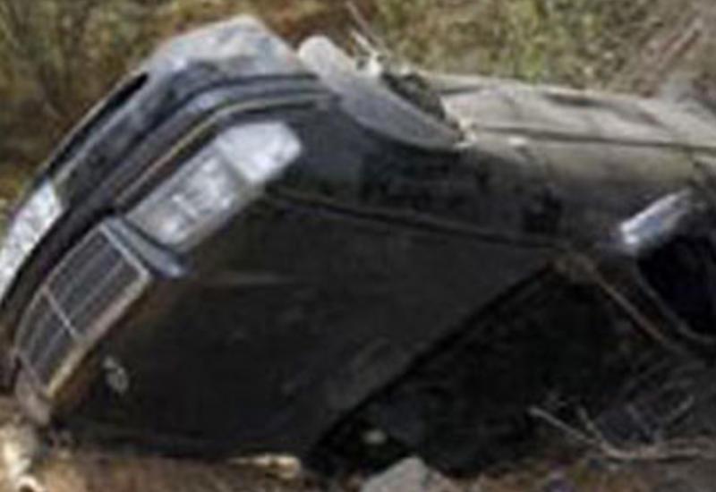 """""""Mercedes"""" aşdı: qadınlar və 6 yaşlı uşaq yaralandı"""