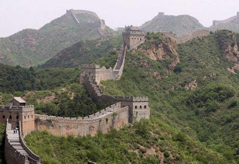 """Американский экстремал пролетел над Великой Китайской стеной <span class=""""color_red"""">- ВИДЕО</span>"""