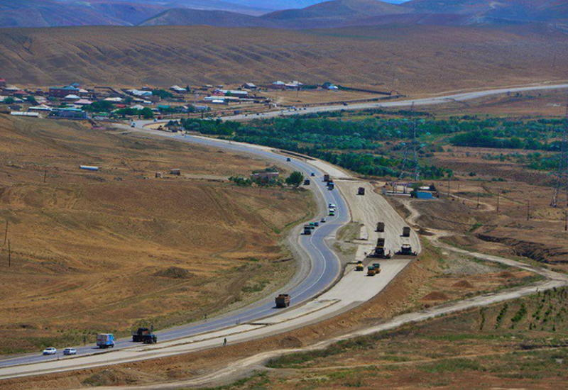 """Дорогу в Шамахы сделают удобной для водителей и пешеходов <span class=""""color_red"""">- ФОТО - ВИДЕО</span>"""