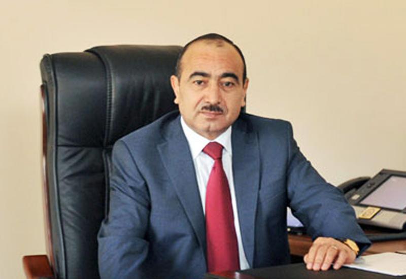 Али Гасанов: В Азербайджане обеспечено право каждого на свободное получение информации