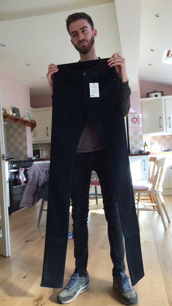 ASOS массово рассылает клиентам гигантские джинсы - ФОТО