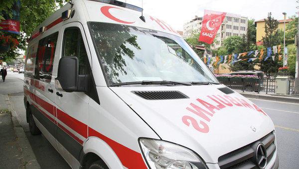 Автобус со школьниками упал в канал в Турции, 14 человек погибли