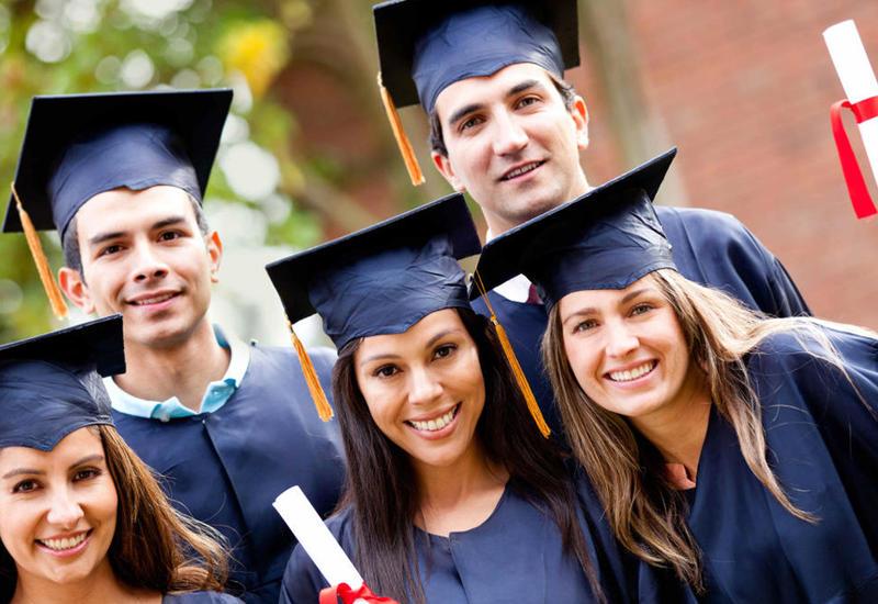Азербайджанские студенты получили первые кредиты на образование