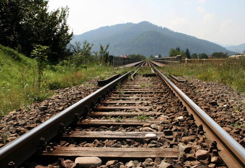 Иран надеется на помощь Азербайджана в строительстве железной дороги