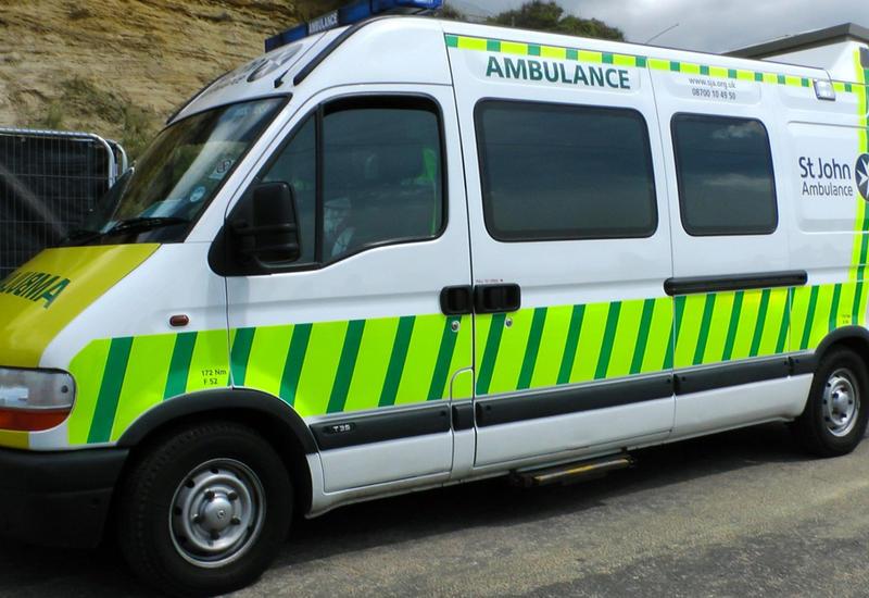 В Британии обрушился пешеходный переход, есть раненый