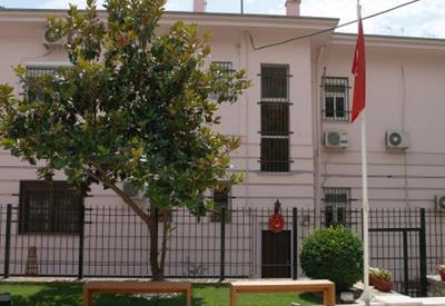 Неизвестные атаковали турецкое консульство в Греции