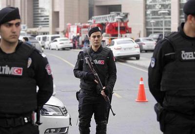Сильный взрыв в Измире