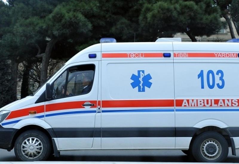 В Баку полицейский совершил аварию: ранены 4 женщины