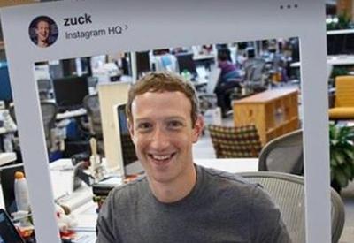"""Цукерберг поддался паранойе и заклеил веб-камеру своего ноутбука <span class=""""color_red"""">- ФОТО</span>"""