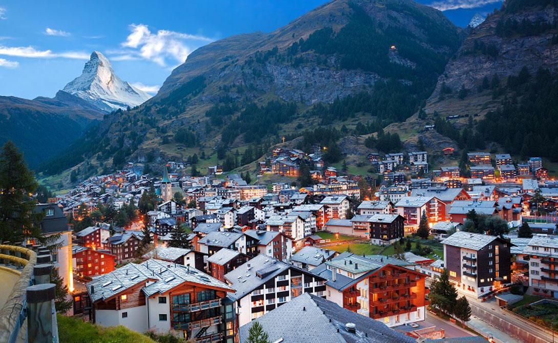 ШвейцарияЗнаменитый нейтралитет Швейцарии сделал страну одной из самых безопасных во всем мире. Отсутствие внутренних и внешних конфликтов, высокий уровень дохода и высокий уровень защиты - что еще нужно для удачного путешествия.