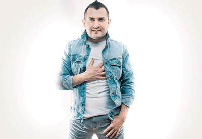 """Узбекский певец украл песню Мурада Арифа <span class=""""color_red"""">- ВИДЕО</span>"""
