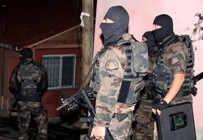 """Новый теракт в Турции: ранены 11 полицейских <span class=""""color_red"""">- ВИДЕО</span>"""