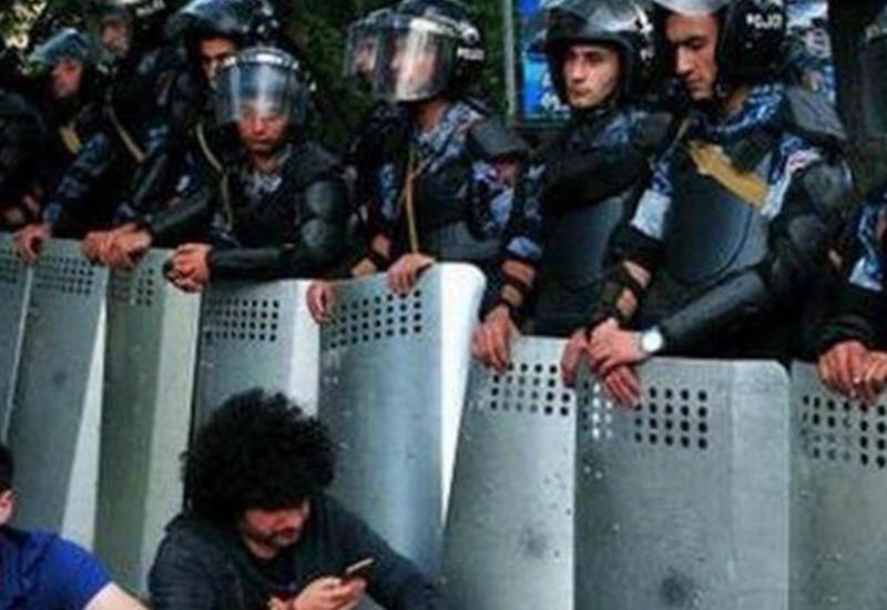 """Армянские депутаты ходят к гадалкам, народ готовится к взрыву <span class=""""color_red"""">- ГОД ПОСЛЕ МАЙДАНА В ЕРЕВАНЕ</span>"""