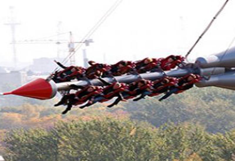 """Посетители аттракциона застряли на высоте 60 метров <span class=""""color_red"""">- ВИДЕО</span>"""