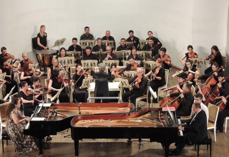 """Удачный тандем известных пианистов на сцене Филармонии <span class=""""color_red"""">  - ФОТО</span>"""