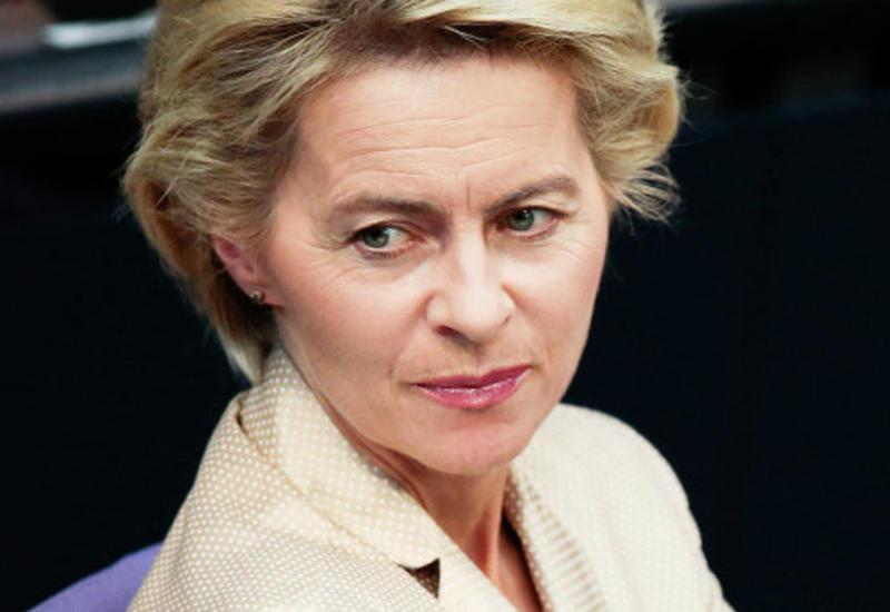 Глава минобороны Германии намерена посетить базу в Турции
