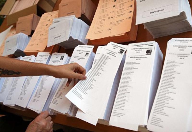 """Правая """"Народная партия"""" побеждает на парламентских выборах в Испании"""