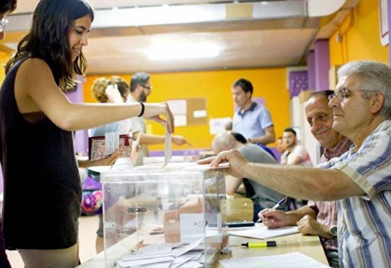 """Exit polls: на выборах в Испании побеждает """"Народная партия"""""""