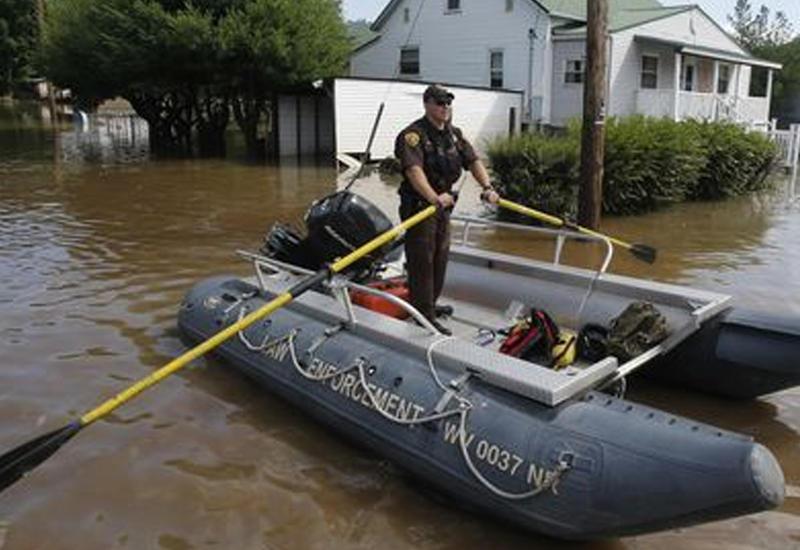 Наводнения в США: десятки тысяч человек остались без света