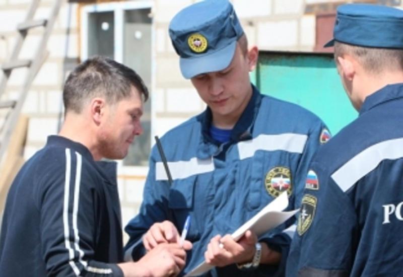 На Байкале перевернулась лодка с рыбаками