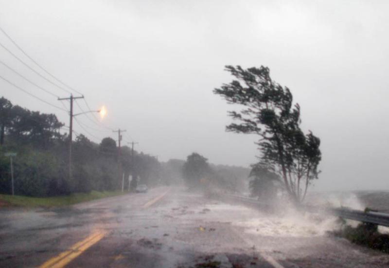 Почти сто человек стали жертвами урагана в Китае