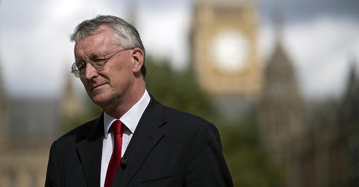 2-ой член теневого кабинета лейбористов подал вотставку запоследние 12 часов
