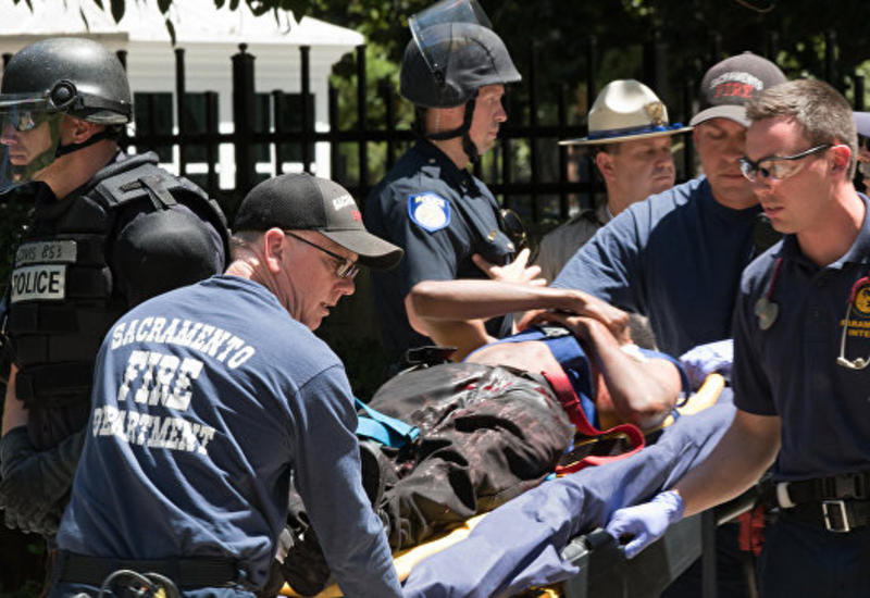 В драке неонацистов в Калифорнии пострадали 10 человек