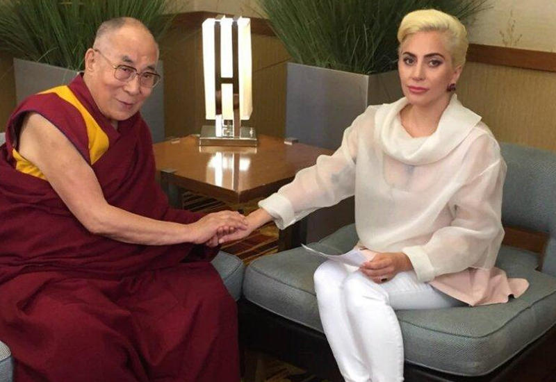 "Леди Гага встретилась с далай-ламой <span class=""color_red"">- ФОТО</span>"