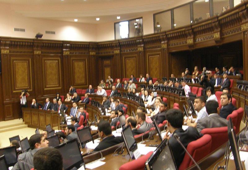 Власти Армении совершили маневр перед новыми репрессиями