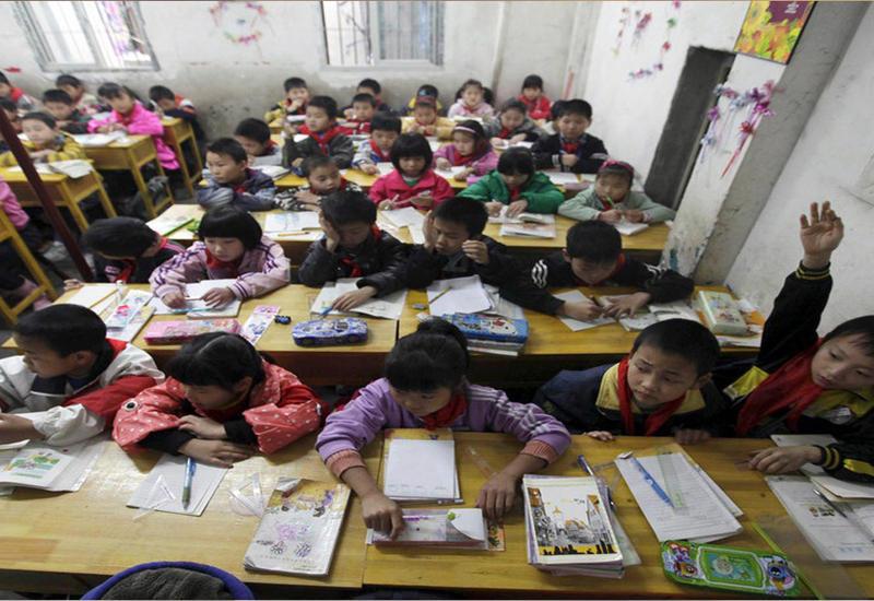 """В Китае ученик выбросился из окна школы прямо на уроке <span class=""""color_red"""">- ВИДЕО</span>"""