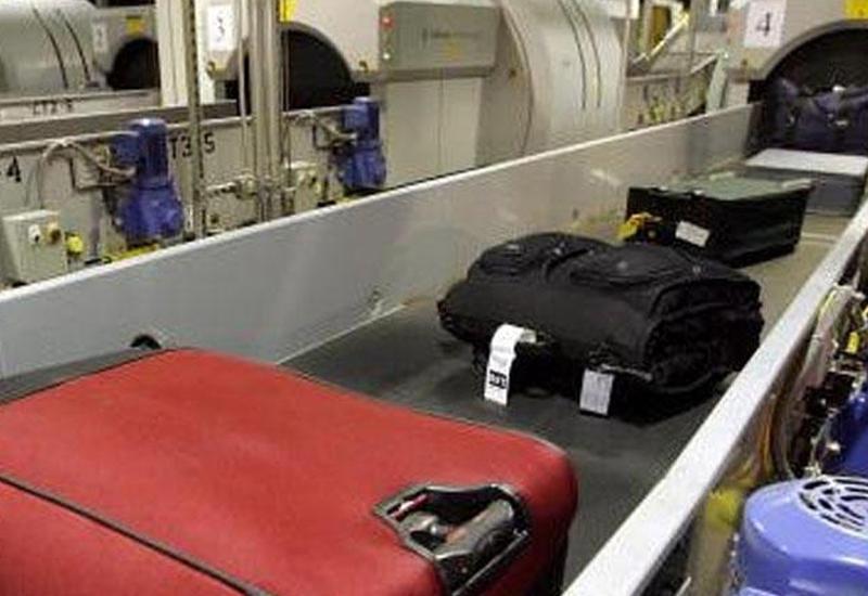 Minskdən Bakıya gələn sərnişinin çantasından çıxan təcübləndirdi