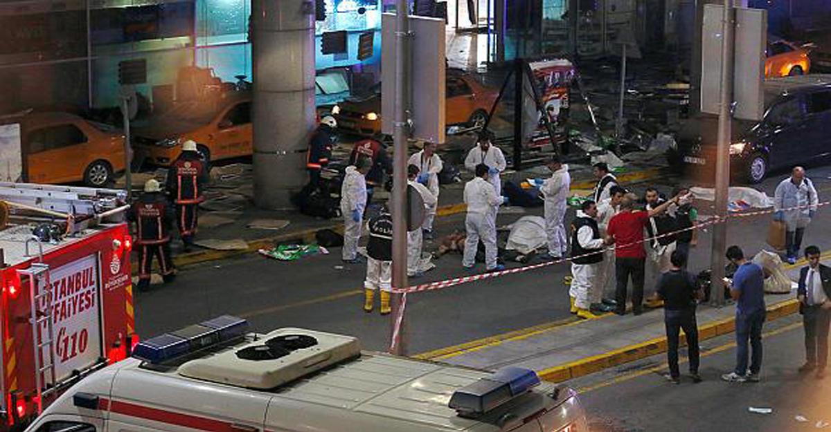 Рейсы из столицы вСтамбул отменены из-за взрывов втурецком аэропорту
