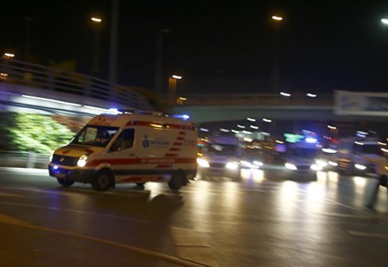 Международный терминал аэропорта Ататюрк в Стамбуле полностью эвакуируется
