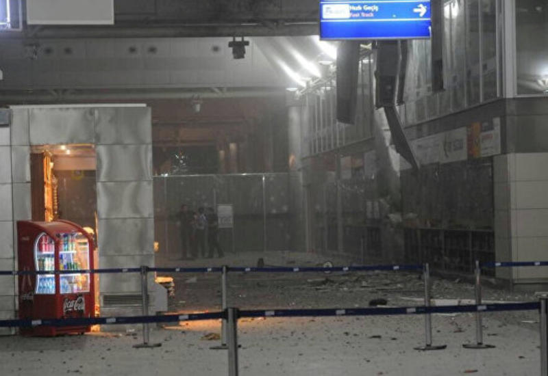 """Премьер Турции: за атакой на аэропорт Стамбула стоит """"ИГ"""""""