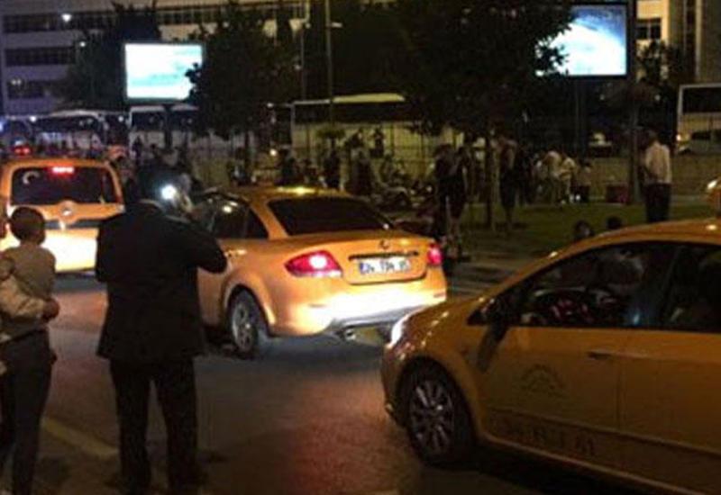 """Facebook просит пользователей в Стамбуле сообщить, что они в безопасности <span class=""""color_red"""">- ВИДЕО</span>"""