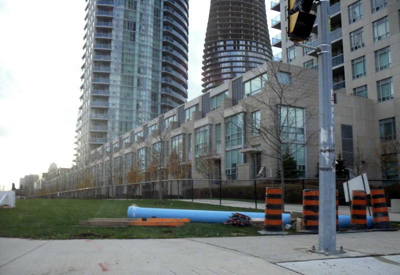 Несколько взрывов произошли в жилых домах в канадском городе Миссиссога