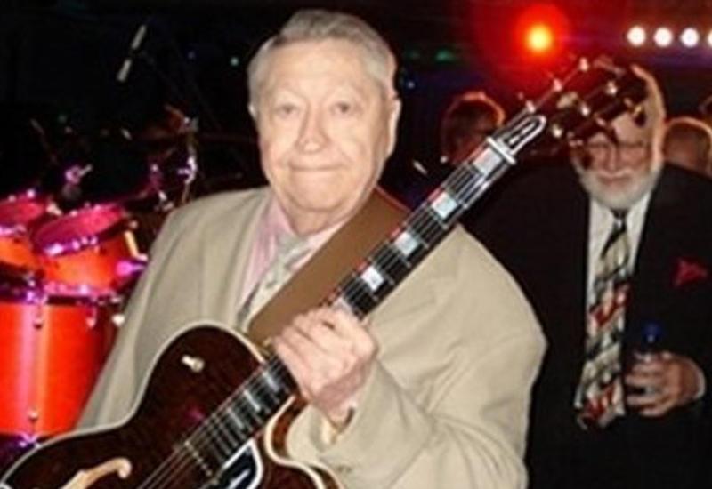 Умер гитарист Элвиса Пресли