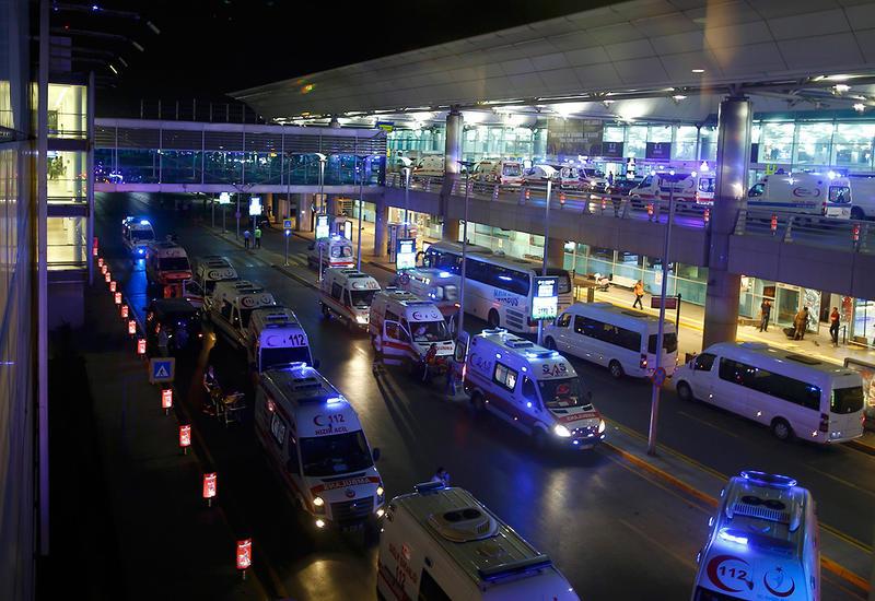Очевидец теракта в Стамбуле: Он просто беспорядочно стрелял