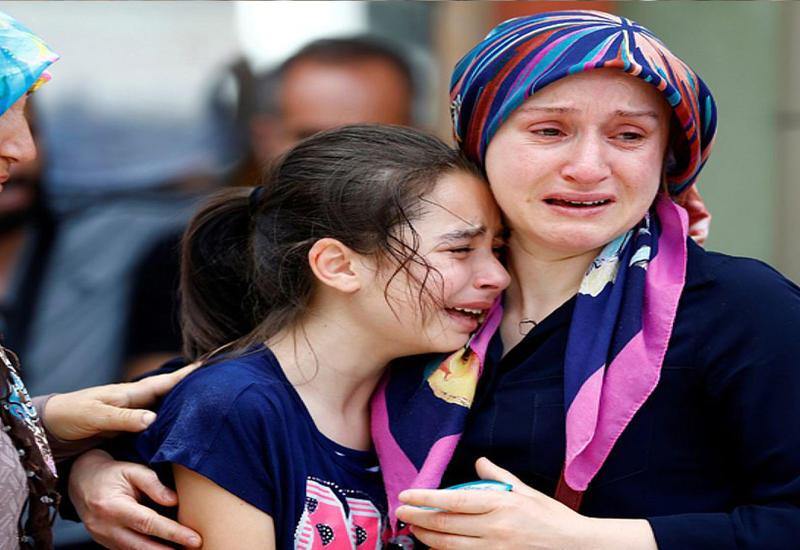 """Родные пострадавших в стамбульском теракте: Мы надеемся на лучшее <span class=""""color_red"""">- ВИДЕО</span>"""