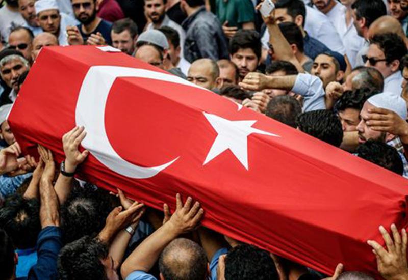 """В Турции похоронили жертв страшного теракта <span class=""""color_red"""">- ФОТО</span>"""