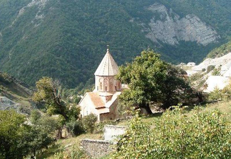 """Украденные святыни: как албанскую церковь попытались сделать """"армянской"""""""