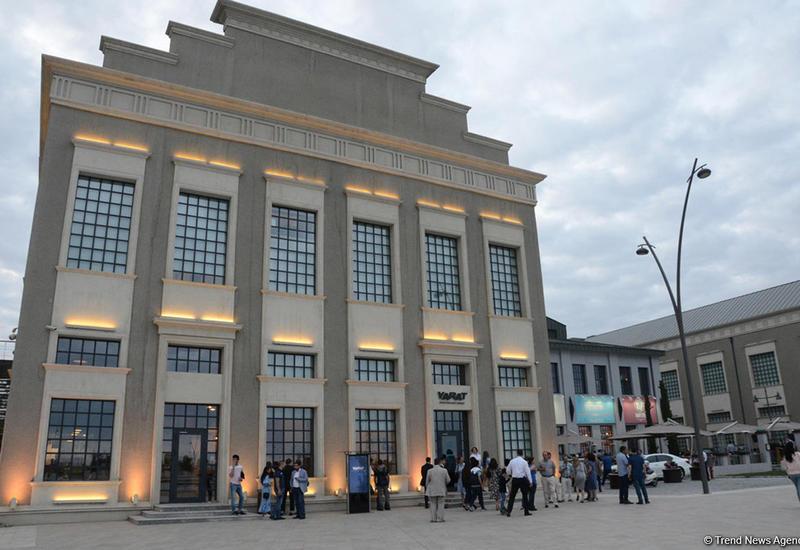 """YARAT представляет мобильную выставку """"Следы Времени"""" в Гахе"""