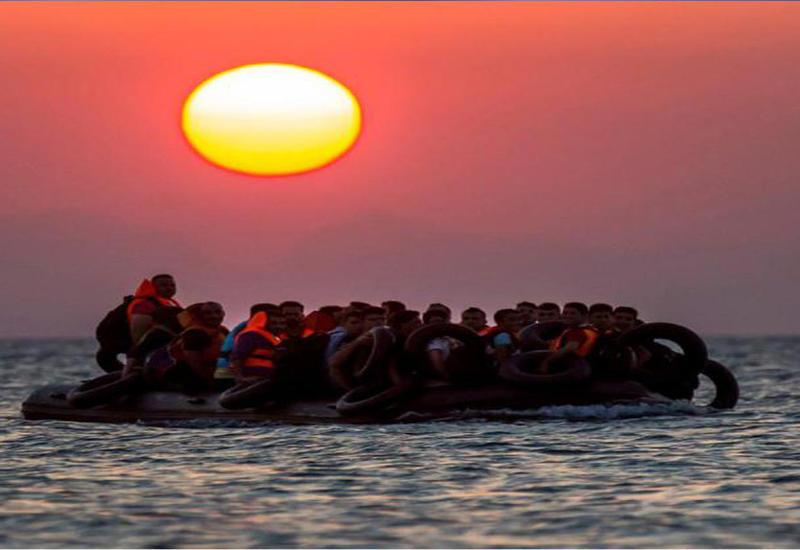 """Итальянская полиция обнаружила тела 10 женщин в резиновой лодке <span class=""""color_red"""">- ВИДЕО</span>"""