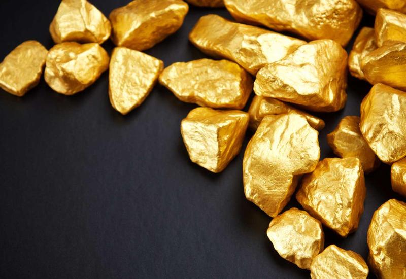 Золото стремительно дорожает